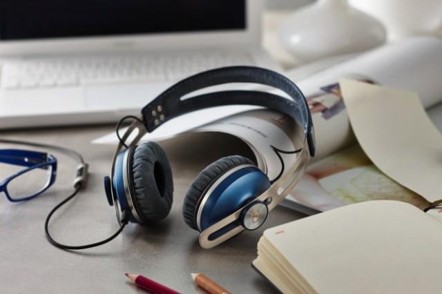 MOMENTUM On-Ear_Blue